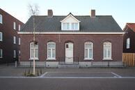 Te beide: Dorpsstraat 13